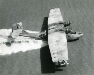 Catalina-Landing-On-Water-CREDIT-Qantas-Heritage-Collection