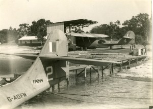 Catalina-at-Nedlands-Jetty-CREDIT-Qantas-Heritage-Collection